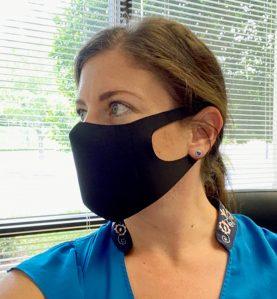 sleek mask black